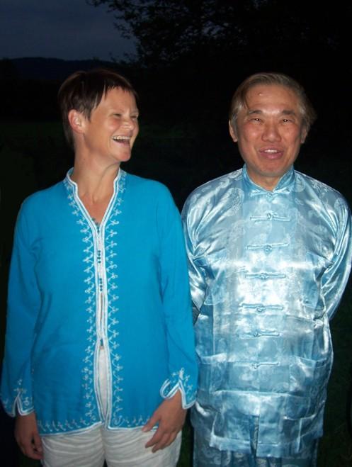 Qigong Linz: Grossmeister Wong Kiew Kit mit Meisterin Irene Hewarth